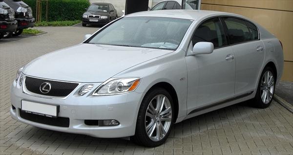 1280px-Lexus_GS_450h_front_R.jpg