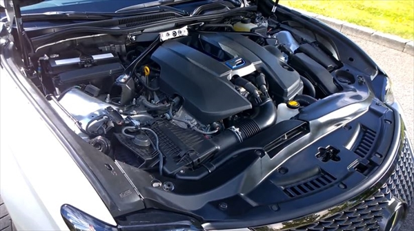 レクサスRCのV8エンジン音!