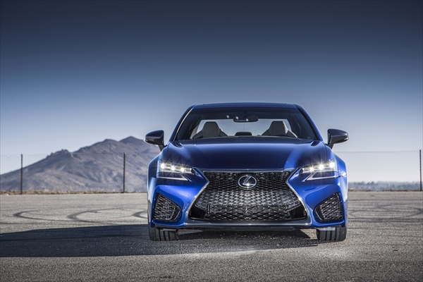 2016_Lexus_GS_F_004_R.jpg