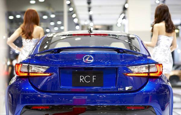 釜山モーターショーで出展のRCFリアビュー